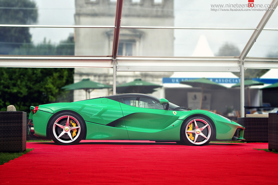 Green LaFerrari salon