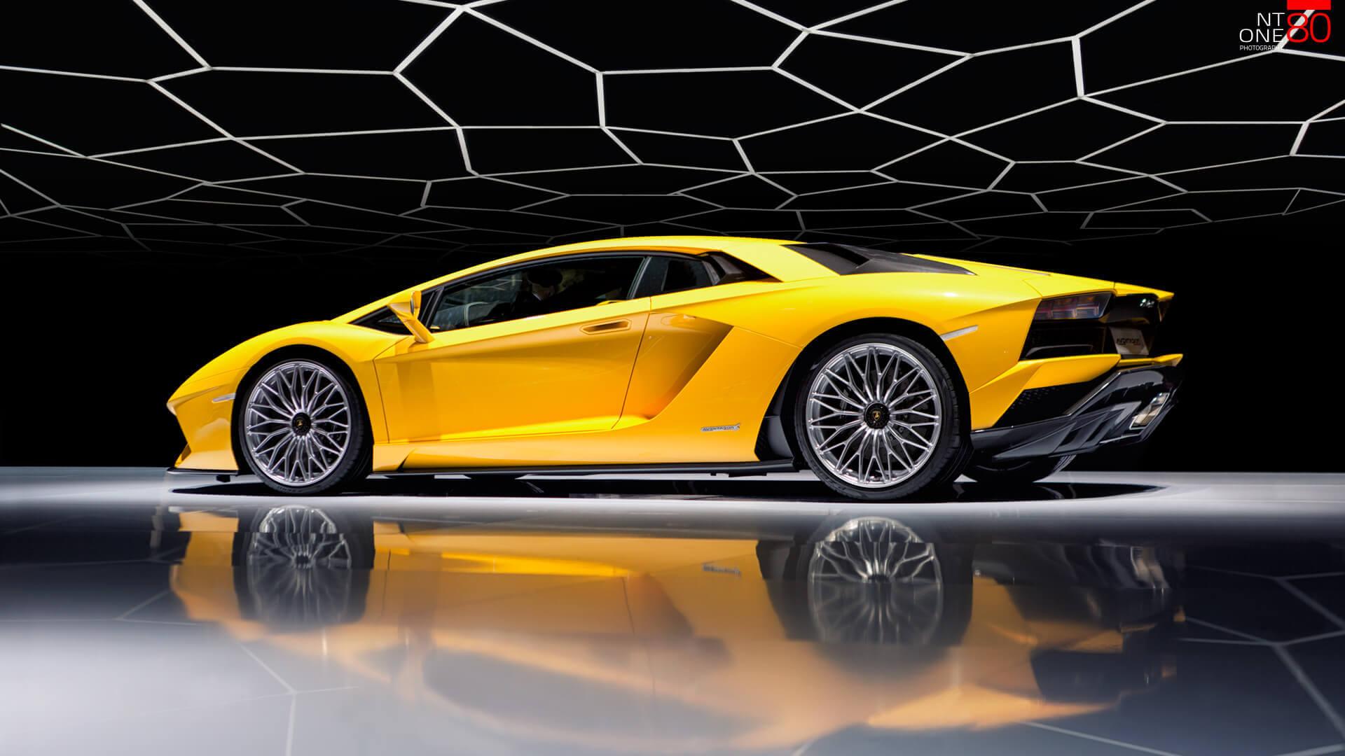Lamborghini Aventador studio photography