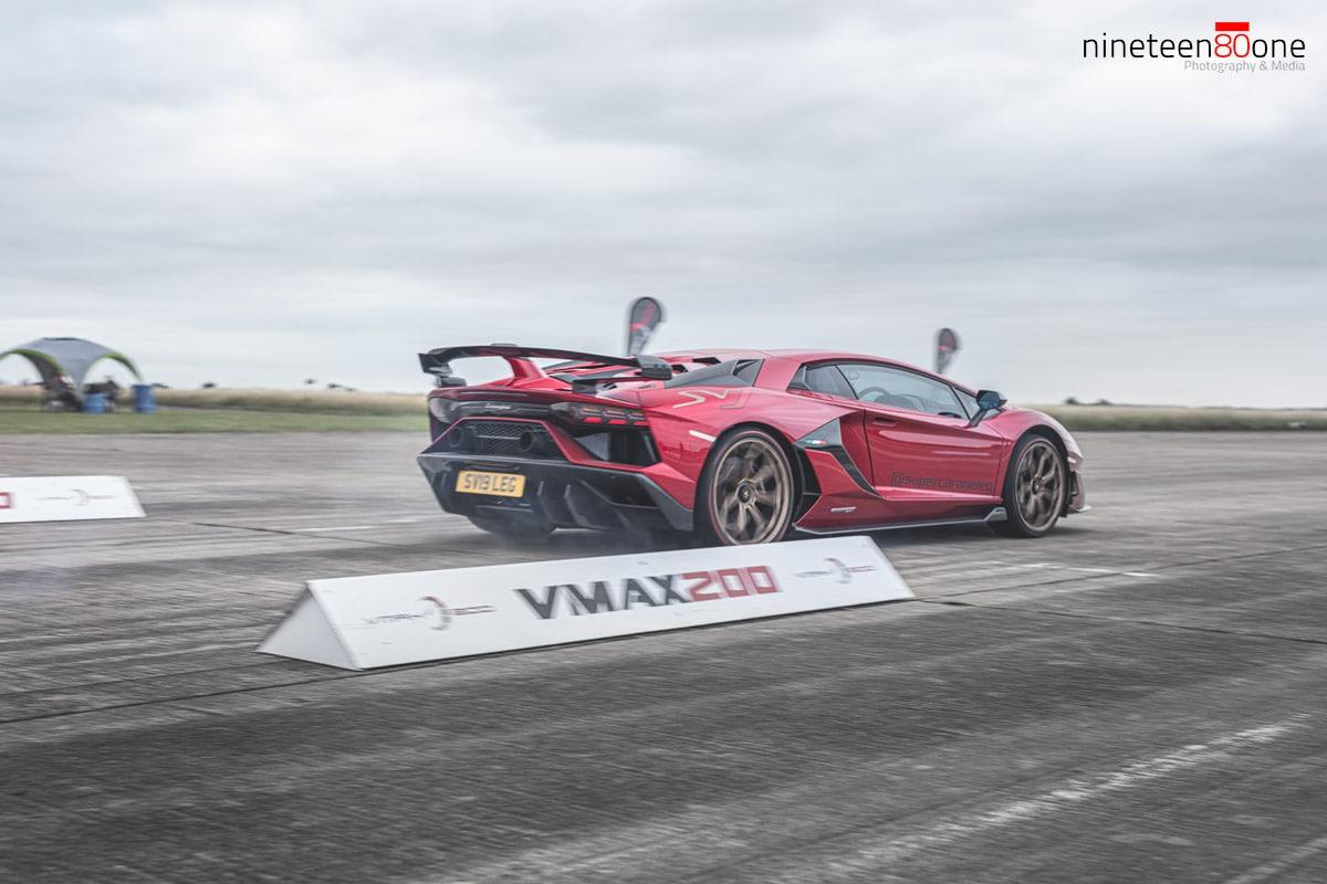 Lamborghini SVJ drag race